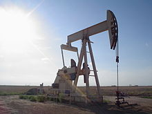 220px-Oil_well