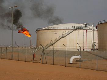 El_Saharara_oil_field,_Libya (1)